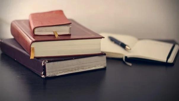 books-690219__340